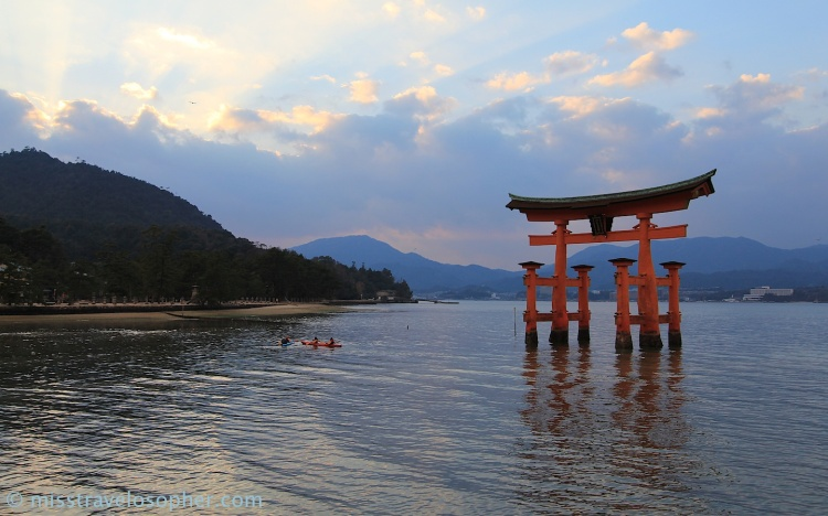 Top 3 scenic views of Japan: Floating torii gate of Itsukushima Shrine at Miyajima Island
